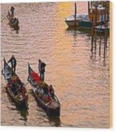 Gondolieri. Venezia. Italia Wood Print