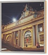 Grand Central Christmas Wreath Wood Print