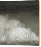 Great Wave For Surfers Wood Print