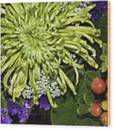 Green Spider Mum Wood Print