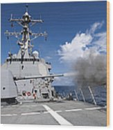 Guided-missile Destroyer Uss Pinckney Wood Print