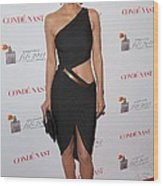 Halle Berry Wearing A Halston Dress Wood Print by Everett