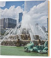 Hdr Picture Of Buckingham Fountain And Chicago Skyline Wood Print