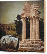 Head At Temple Of Castor And Pollux Wood Print