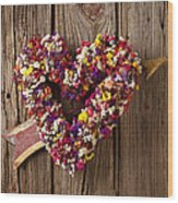 Heart Wreath With Weather Vane Arrow Wood Print