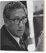 Henry Kissinger In A Meeting Following Wood Print