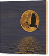 Heron And The Harvest Moon Wood Print