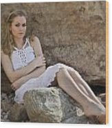Hiding In The Rocks Wood Print