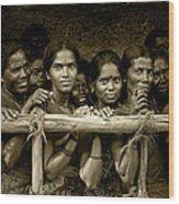 Hindu Pilgrims On New Year's Day Wood Print