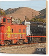 Historic Niles Trains In California . Old Southern Pacific Locomotive And Sante Fe Caboose . 7d10843 Wood Print