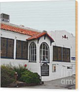 Historical Moss Beach Distillery At Half Moon Bay . 7d8168 Wood Print by Wingsdomain Art and Photography