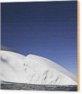 Iceberg In Canadian Arctic Wood Print by Richard Wear