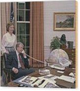 Jimmy Carter And Rosalynn Carter Wood Print by Everett