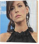 Kate Beckinsale At The Press Conference Wood Print by Everett