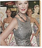 Katherine Heigl Wearing A Bill Blass Wood Print by Everett
