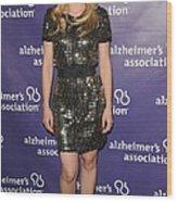 Kristen Bell Wearing A Dress By Sea Wood Print by Everett