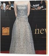 Kristen Stewart Wearing An Oscar De La Wood Print by Everett