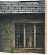Lady By Window Of Tudor Mansion Wood Print