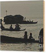 Life On Lake Tonel Sap Wood Print