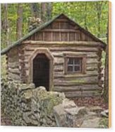 Little Cabin On Little River Wood Print by Charles Warren
