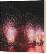 Macy's Fireworks On The Hudson Wood Print