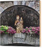 Madonna And Child Arch Wood Print