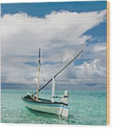 Maldivian Boat Dhoni On The Peaceful Water Of The Blue Lagoon Wood Print