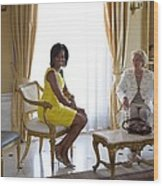 Michelle Obama Meets With Clio Wood Print by Everett