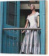 Mujer En Ventana Wood Print