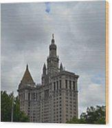 Municipal Building In New York Wood Print