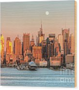 New York City Moonrise IIi Wood Print