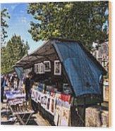 Newstand Along The Seine Wood Print