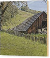 Old Barn On Highway 20 Wood Print