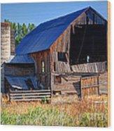 Old Barn With Concrete Grain Silo - Utah Wood Print