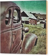 Old Car And Ghost Town Wood Print