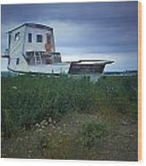 Old Houseboat On A Minnesota Shore On Lake Superior Wood Print