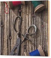 Old Scissors And Spools Of Thread Wood Print