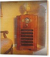 Old Time Radio Wood Print by Paul Ward