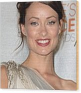 Olivia Wilde In The Press Room Wood Print by Everett