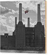 Pink Floyd Pig At Battersea Wood Print
