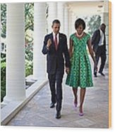 President And Michelle Obama Walk Wood Print