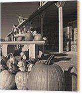 Pumpkins At The Farm Market October Wood Print