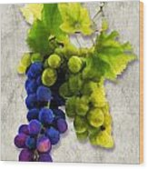 Red And White Grapes Wood Print