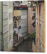 Red Rooftops In Prague Canal Wood Print by Linda Woods