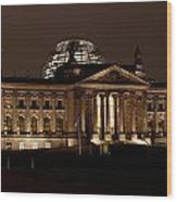 Reichstag At Night Wood Print