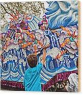 Rex Mardi Gras Parade Viii Wood Print