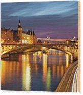 River Seine And The Concierge Wood Print