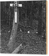 Road Death Cross- La Hwy 15 Wood Print