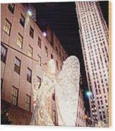 Rockefeller Plaza At Christmas Wood Print