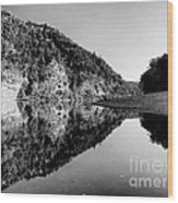 Round The Bend Buffalo River In Black And White Wood Print